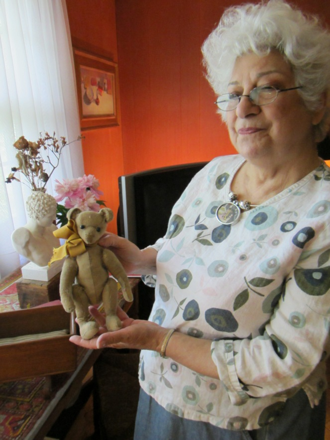 Artist Rainie Crawford shares an adorable antique bear from her collection.