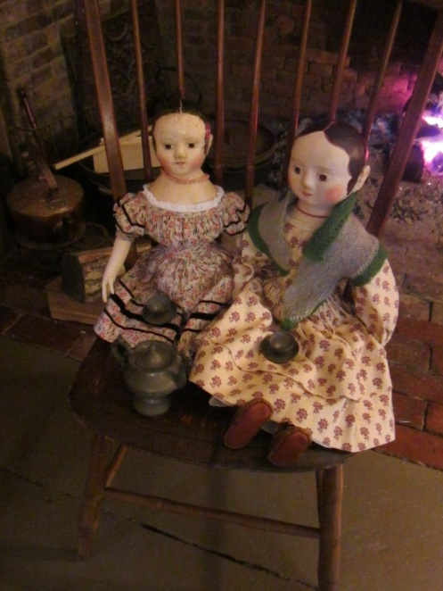 Since our mutal friend Susie couldn't be with us on Friday, Peggy and I arranged the next best thing. Peggy's doll Lucy and one of my Izannahs, that will soon be headed to live with Susie, to have a nice chat by the hearth and a bracing cup of tea.