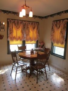 Metzer House kitchen.