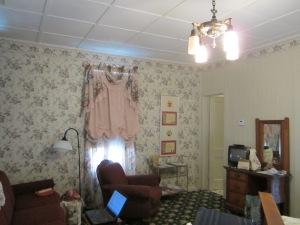 Metzger Sunday house living room.