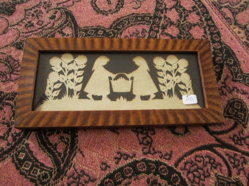 This is the paper cutting that we choose for a friend who authorized us to shop on her behalf :)
