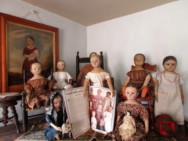 Izannah Walker and her Dolls by Paula Walton